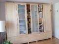 Kleiderschrank-mit-verschiebbarem-Bücherregal-aus-AhornJPG_03