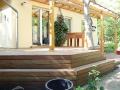 Terrasse-aus-beidseitig-geriffelten-Terrassendielen