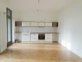 Küche weiß mit Eichenarbeitsplatte