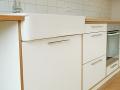 Küche weiß mit Eichenarbeitsplatte Detail